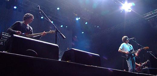 Mesmo com pouca rodagem, o Arctic Monkeys salvou a primeira noite do festival