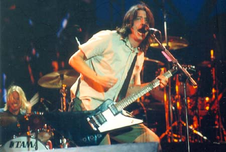 foofighters01-02