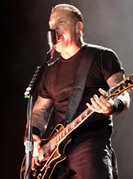 O metafísico James Hetfield esbanjou disposição em duas horas de show