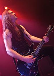 O guitarrista Isaan Delahaye deu mais consistência ao Epica