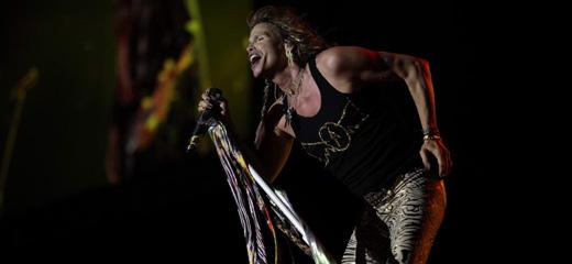 Steven Tyler foi o destaque absoluto na noite em que o Aerosmith provou estar vivinho da Silva
