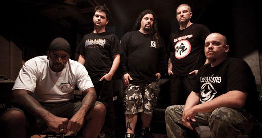 Grupo gravou o disco de estreia antes mesmo de se apresentar ao vivo