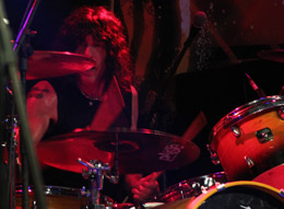 Marky Ramone e a bateria que fez questão de afinar