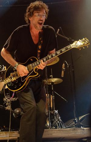Lobão só no groove malandro da guitarra...