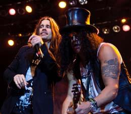 O vocalista Myles Kennedy foi um achado para Slash