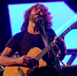 Chris Cornell prometeu o Soundgarden para 2012