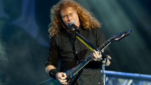 Dave Mustaine comanda o Megadeth em mais uma apresentação no Brasil, prejudicada pelo festival