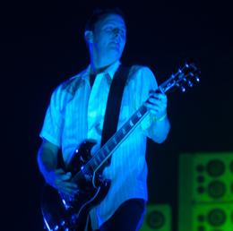 O guitarrista Mike McCready tocou feito criança