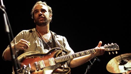 À frente do Los Hermanos, Marcelo Camelo voltou a passar no teste de popularidade no Recife