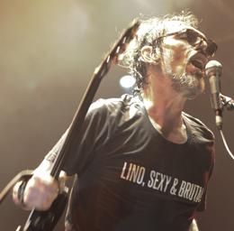 Lobão tocou hits e músicas menos conhecidas