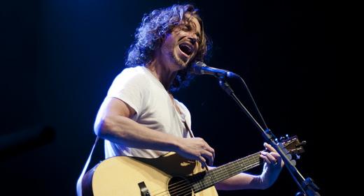 Em excelente forma, Chris Cornell solta a voz em 28 músicas e (ufa!) duas horas e meia de show