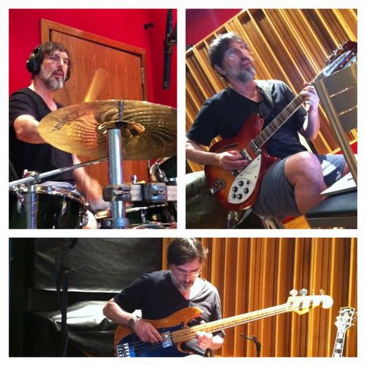 Lobão grava bateria, guitarra e baixo para a musica 'Eu Não Vou Deixar', no Estúdio Tambor, no Rio