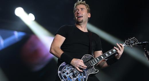 Um Chad Kroeger satisfeito comandou o Nickelback com um sem número de pseudo baladas