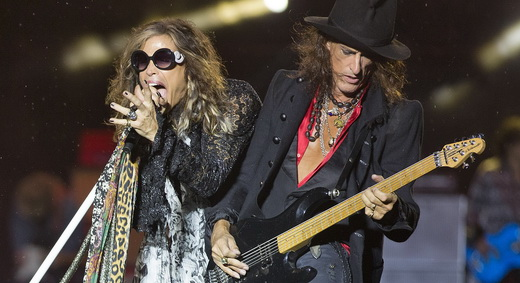 Steven Tyler e Joe Perry: brigões que se entendem no palco e comandam a apresentação do Aerosmith