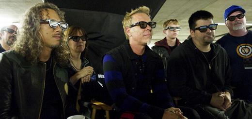 Kirk Hammett e James Hetfield acompanham o set de filmagem junto diretor, ator e produtores do filme