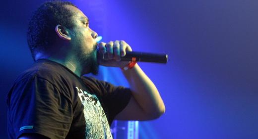 A presença do Mal do Ressonância Mórfica: o vocalista Marcos Campos soltando um gutural após o outro