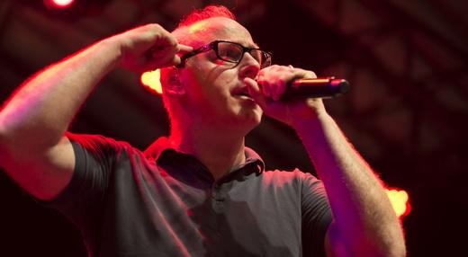 O professor Greg Graffin não blefou e o Bad Religion fez mesmo um show especial no lotado Circo Voador