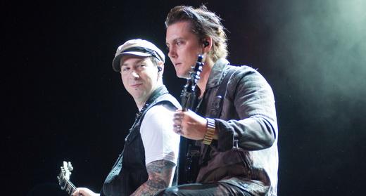 Duelo: o mais que perfeito entrosamento entre os guitarristas Zacky Vengeance e Synyster Gates
