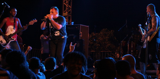 Lenda Viva, Fabio Sampaio encara as dificuldades do horário padrasto no sábado do PMW Rock Festival