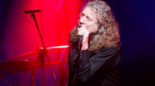 Robert Plant força a voz no show que mostrou a consolidação da banda Sensational Space Shifters