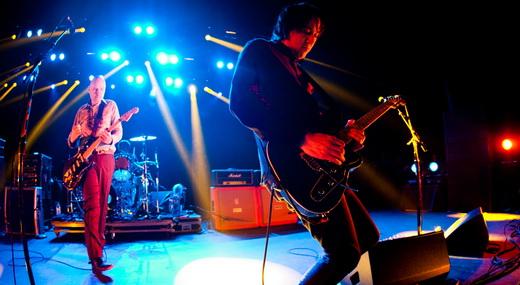 Billy Corgan e o guitarrista Jeff Schroeder, que não é reles coadjuvante no Smashing Pumpkins