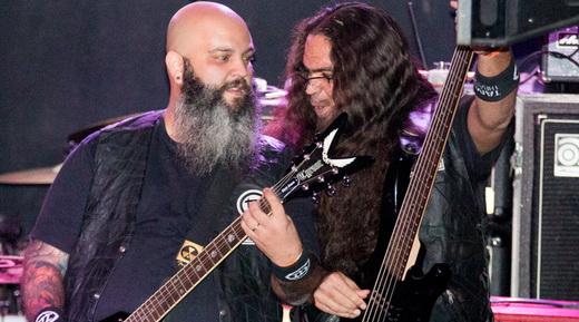 Tamuya Thrash Tribe: o guitarrista/vocalista Luciano Vassan e o baixista J.P. Mugrabi agitam na abertura