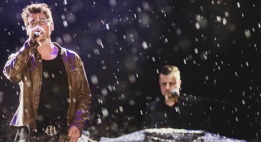 'Crying in the Rain': a bela paisagem norueguesa de Morten cantando sob chuva, em pleno Rock In Rio