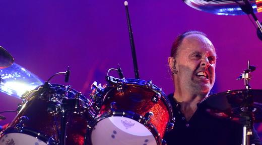 Fôlego: o baixola Lars Ulrich segue mandando muito bem na bateria, depois de todos esses anos