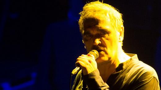 Morrissey mostra que superou os recentes problemas de saúde em ótimo show no Rio de Janeiro
