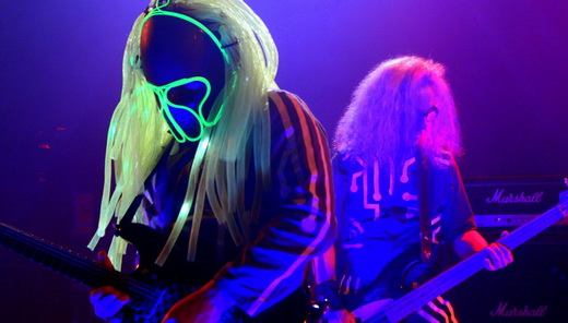 Unmasked Brains: o guitarrista LGC, headbanger rasta futurista, e o baixista Denner Campolina
