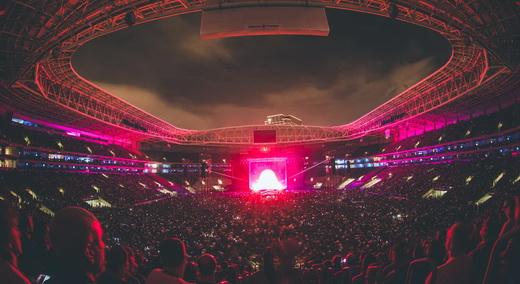 Vista geral da exuberante Allianz Parque, valorizada pelo espetáculo visual do show de David Gilmour