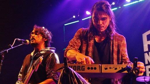 Fleeting Circus: o guitarrista e vocalista Taynã Frota e o guitarrista Rodrigo Seven, nos teclados
