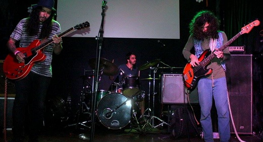 Banda nova, mas promissora, o Psilocibina viaja por várias tendências da música contemporânea