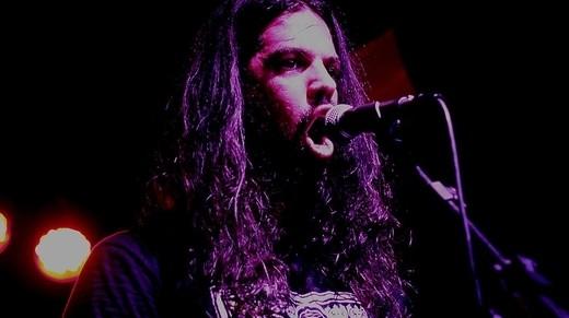 O guitarriasta e vocalista do Siriun, Alexandre Castellan: bom entrosamentos e referências claras