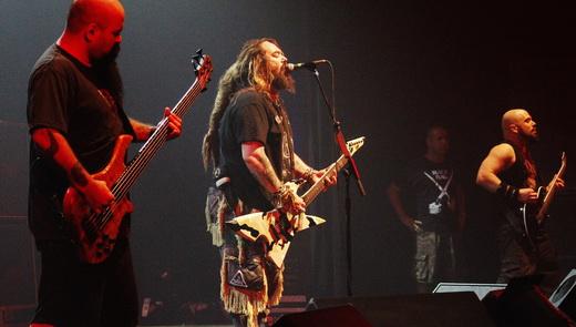 Cavalera Conspiracy on 'Roots': o baixista Tony Campos, Max Cavalera e o guitarrista Marc Rizzo