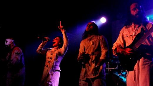 O baixista Ryan Folden, os vocalistas Cristina Scabia e Andrea Ferro, e o guitarrista Diego Cavallotti