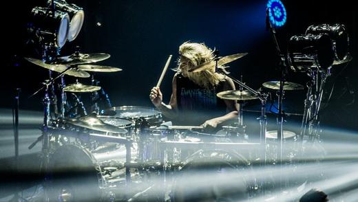 Usina de tambores: o ótimo baterista Will Hunt, a força motora no fundo do palco do Evanescence