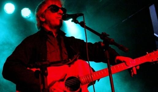 O altivo Ranaldo, que mostrou o repertório do novo álbum, 'Electric Trim', a ser lançado em setembro