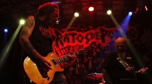 A performance desabalada do guitarrista Jão é outro destaque da grosseria que o Ratos aplica sem dó