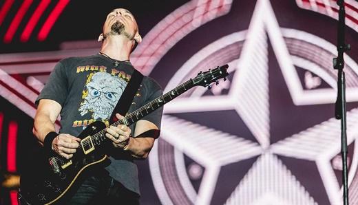 Todo o feeling de Mark Tremonti, numa das melhores performances de um guitarrista no Rock In Rio