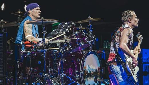 Chad Smith e Flea: a inigualável cozinha do Red Hot Chili Peppers que todo muito respeita
