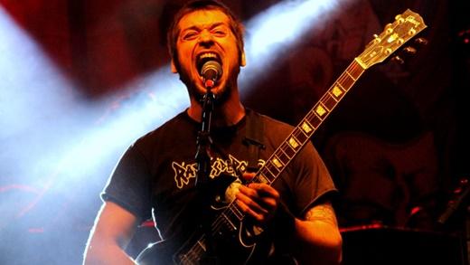 O vocalista e guitarrista da Malvina, Berman Berbert, e as mazelas da polítca brasileira pós 2013
