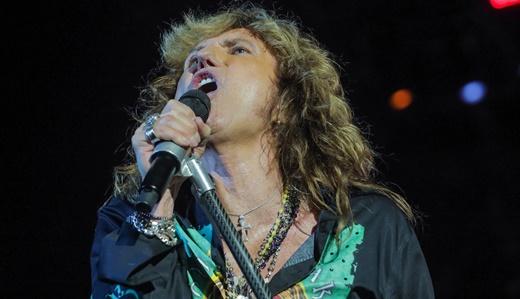 Em grande noite, David Coverdale lidera o show do Whitesnake com o público do Rockfest nas mãos