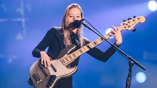 Nicole Row, a baixista que acompanha o Panic! At The Disco desde o ano passado e contribui com vocais